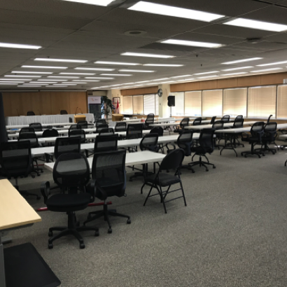 Hearing Room in standard classrooms configuration